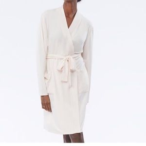 LOVE & LORE ESSENTIAL READING ROBE PInk
